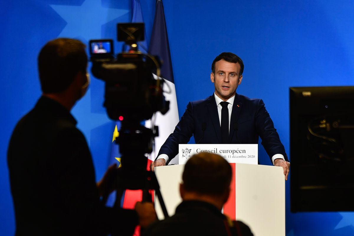 Macron Tells Google and Microsoft to Get On Board With EU Rules