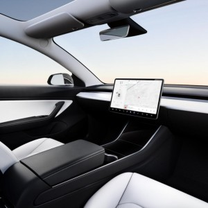 elon-musks-tesla-has-reinvented-the-steering-wheel