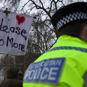hundreds-gather-for-anti-lockdown-protest-in-london