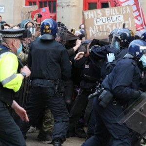 police-injured-in-bristol-protest-against-controversial-anti-protest-bill