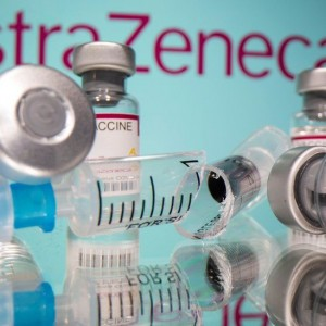 u-k-regulator-recommends-continued-use-of-astrazeneca-vaccine