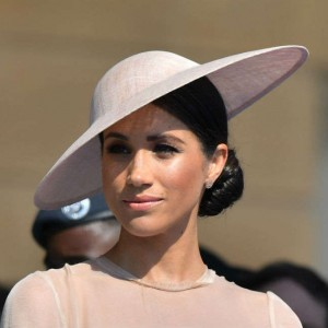 duchess-meghan-spoke-with-queen-elizabeth-ii-after-prince-philips-funeral