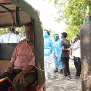 covid-19-people-left-to-beg-and-barter-for-air-as-indias-coronavirus-crisis-escalates