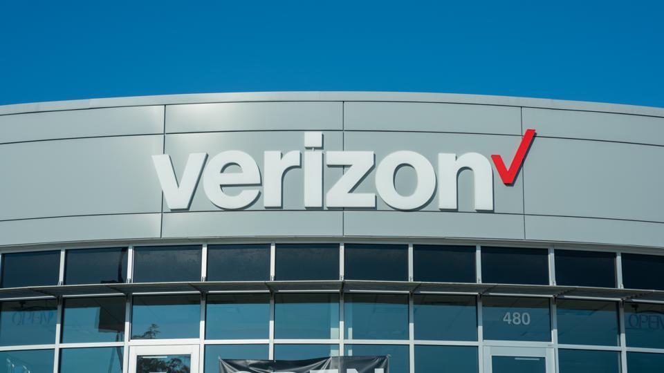Verizon Selling AOL, Yahoo To Apollo Global Management