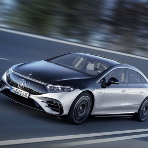 mercedes-eqs-this-luxury-electric-vehicle-is-a-massage-parlour-and-more
