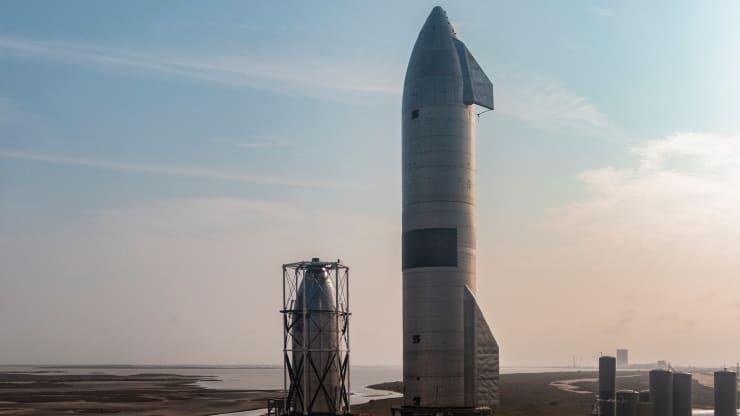 SpaceX Tests Mars Prototype Rocket