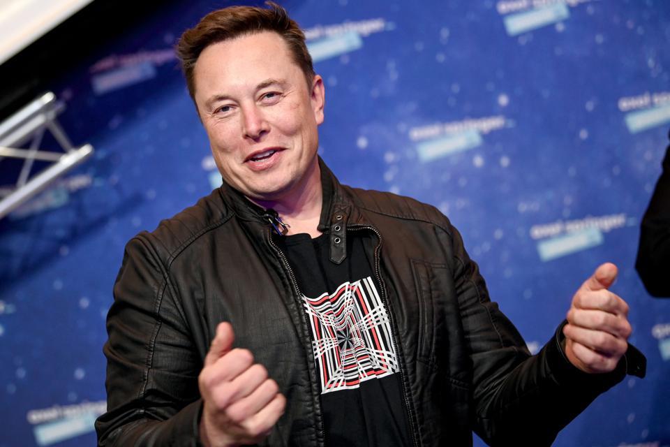 Elon Musk Reveals He Has Asperger's On 'Saturday Night Live'