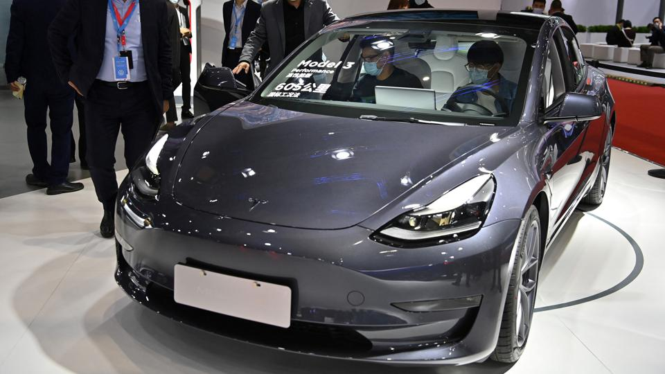 Consumer Reports Strips Model 3 Of 'Top Pick' After Tesla Drops Safety Features