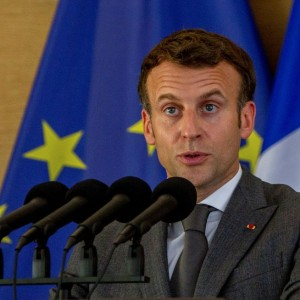 frances-macron-slapped-in-face-during-walkabout