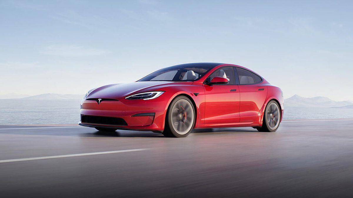 Elon Musk Shows Off Tesla's Fastest Car Yet – Model S Plaid