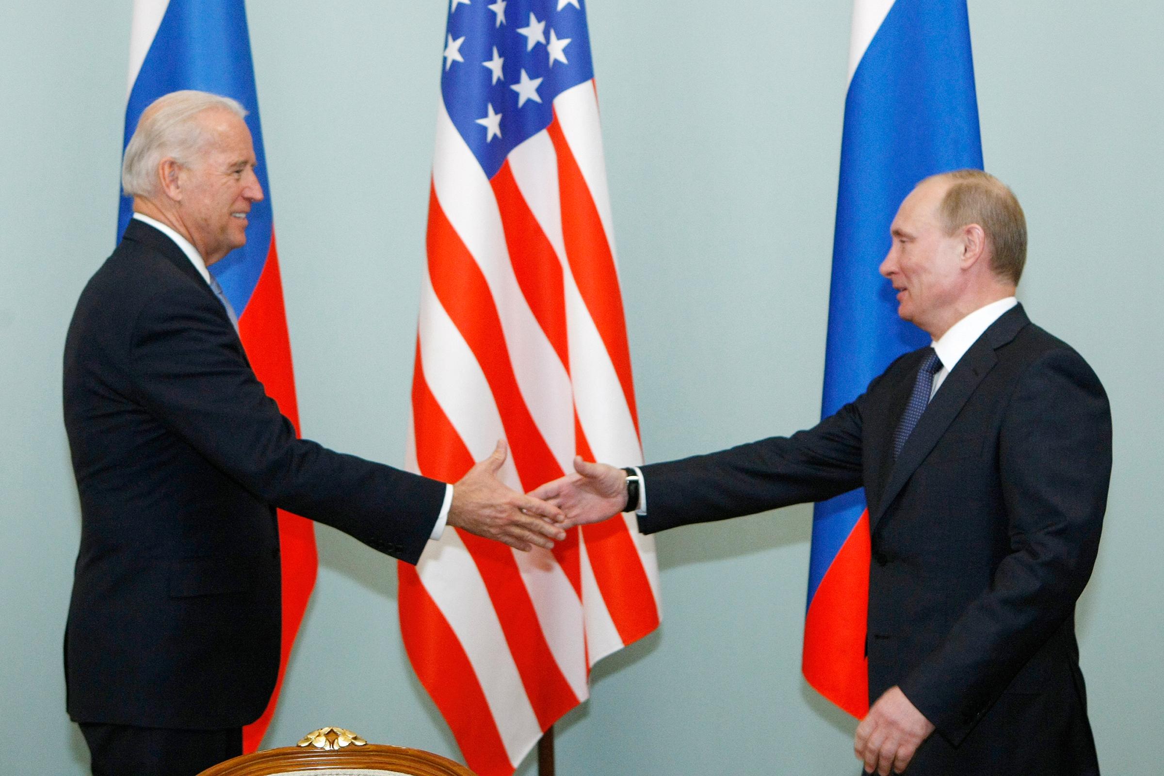 Biden Begins Long, Tense Meeting With Putin