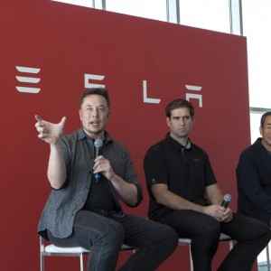 panasonic-teslas-oldest-industrial-partner-said-to-have-sold-off-its-entire-tesla-stake