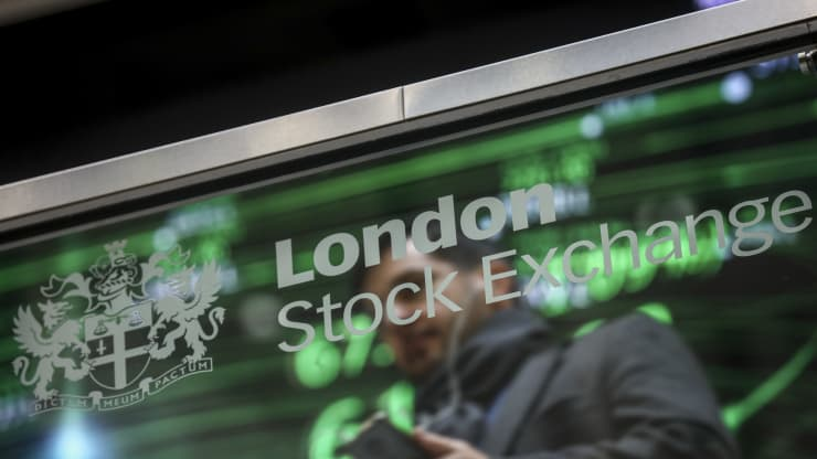 These UK Stocks Are Expected To Pay Bumper Dividends But Beware Of Broken Promises