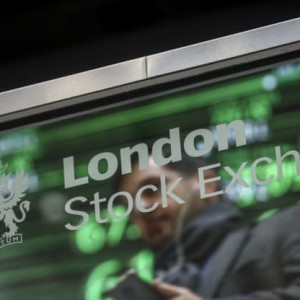 these-uk-stocks-are-expected-to-pay-bumper-dividends-but-beware-of-broken-promises