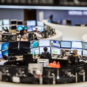 european-stocks-rise-at-the-end-of-choppy-week
