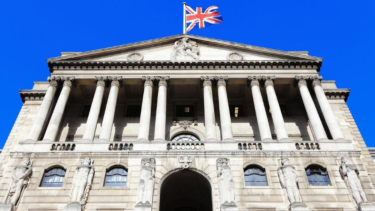 Cryptocurrencies Don't Pose A Threat To Financial Stability, Bank Of England's Cunliffe Says