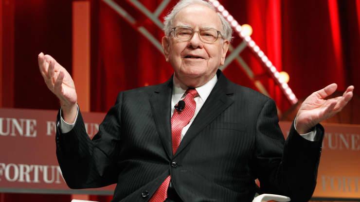 Warren Buffett's 1999 Advice On How To Get As Rich As Him Still Applies Today