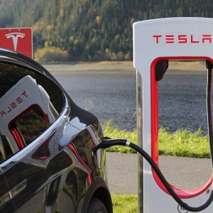 tesla-tsla-becoming-an-electricity-retailer-paradox-or-opportunity
