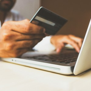 pay-off-your-credit-card-debt-with-this-four-strategies