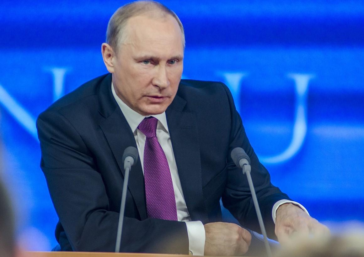 Vladimir Putin Head Into Quarantine