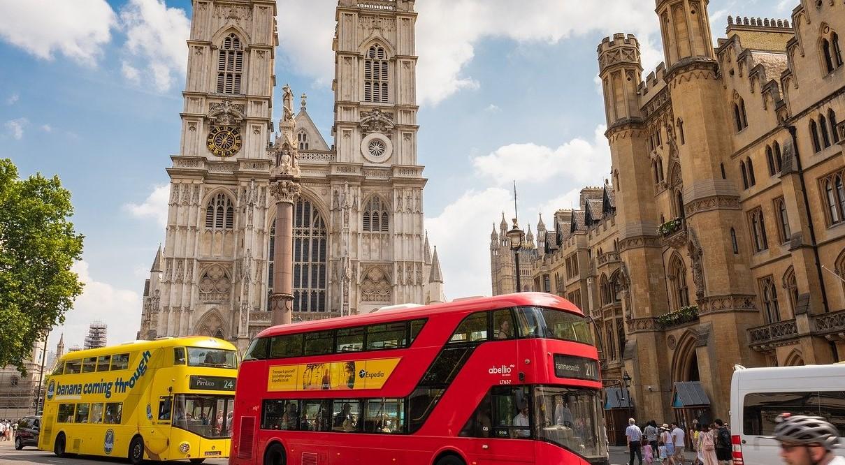 UK Overhaul Travel List Barriers - Amber List Scrapped