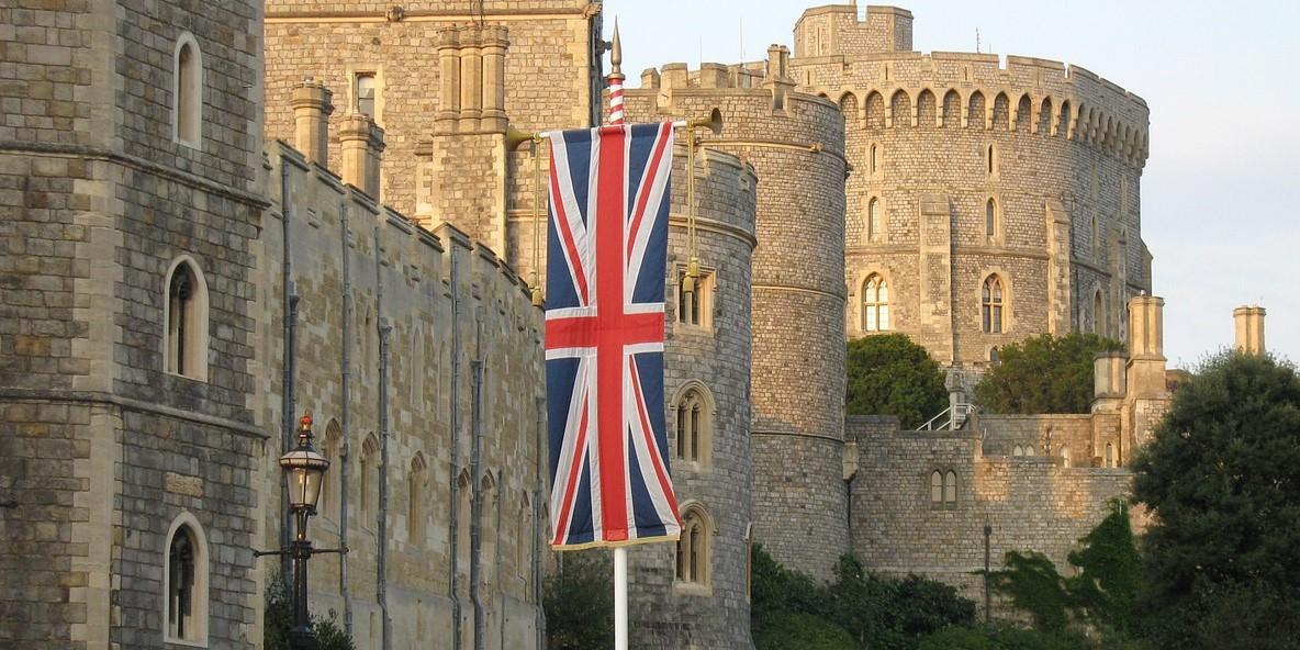 Queen Elizabeth In Good Spirits After Medical Investigation, Back To Windsor Castle