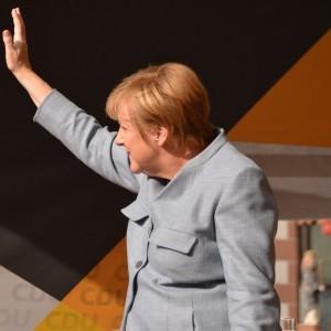 chancellor-angela-merkel-got-a-well-deserved-ovation-from-eu-leaders-at-final-summit